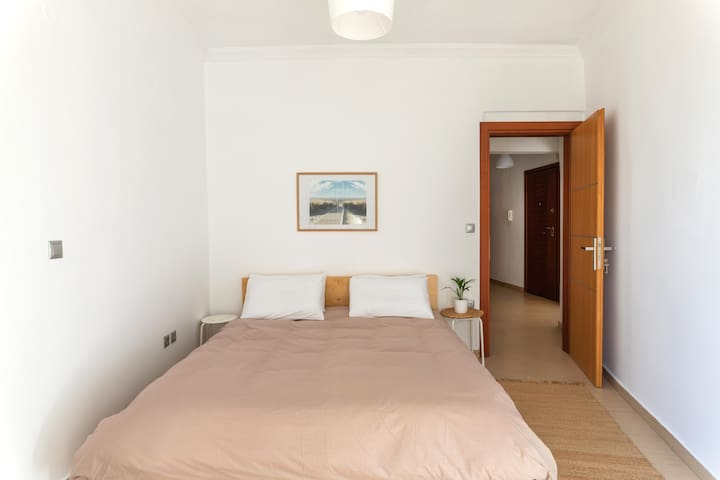 1 Bedroom with 1 double bed