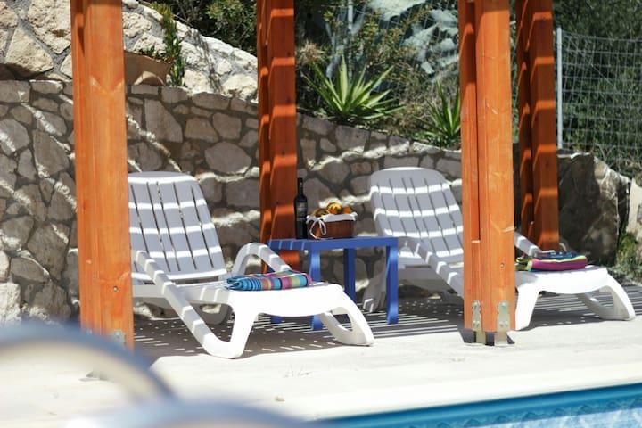 Quiet away from it all villa & pool - kastri. ano viannos - Vila