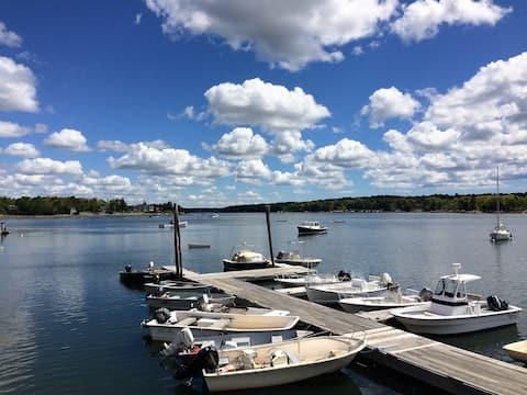 Lobsterman's Lodge- Working Waterfront Marina!