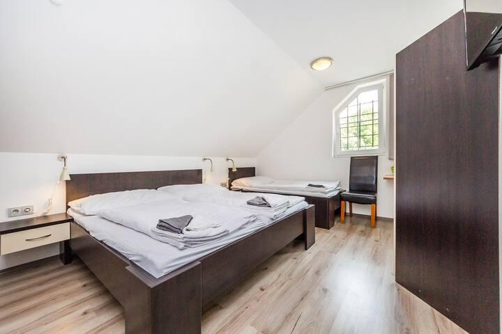 Hotel & Restaurant -  triple room - Prague