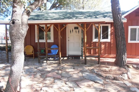 Pine Oaks Cottage & Bunk House - Payson - Haus
