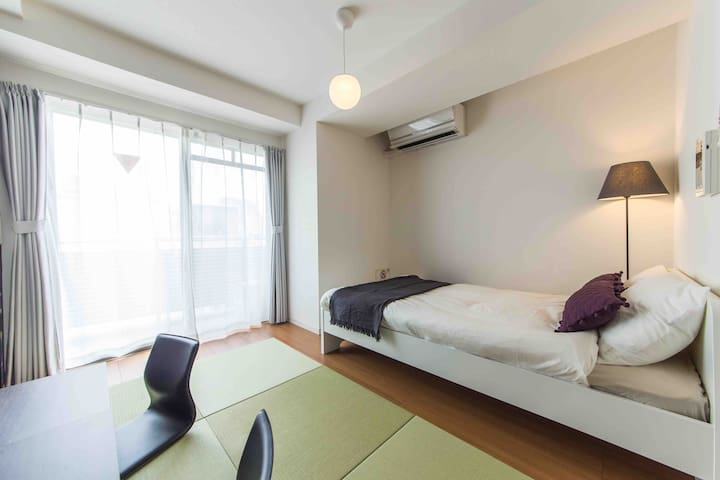Shinjuku Building Apartment Hotel|907