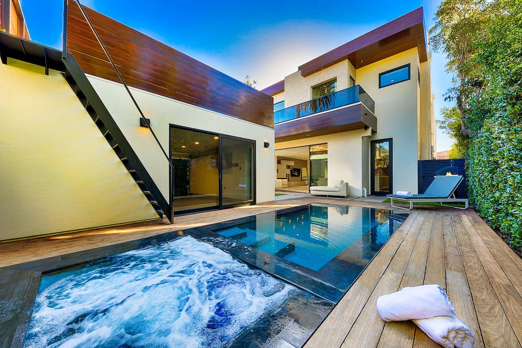 Enjoy the spa and pool as you soak in to your own perfect oasis of the backyard. Smart pool controls and the pool has several themes and functions to be fully enjoyed. *Please note due to the noise the spa makes we have ask that it is shut off from 10 pm on*.