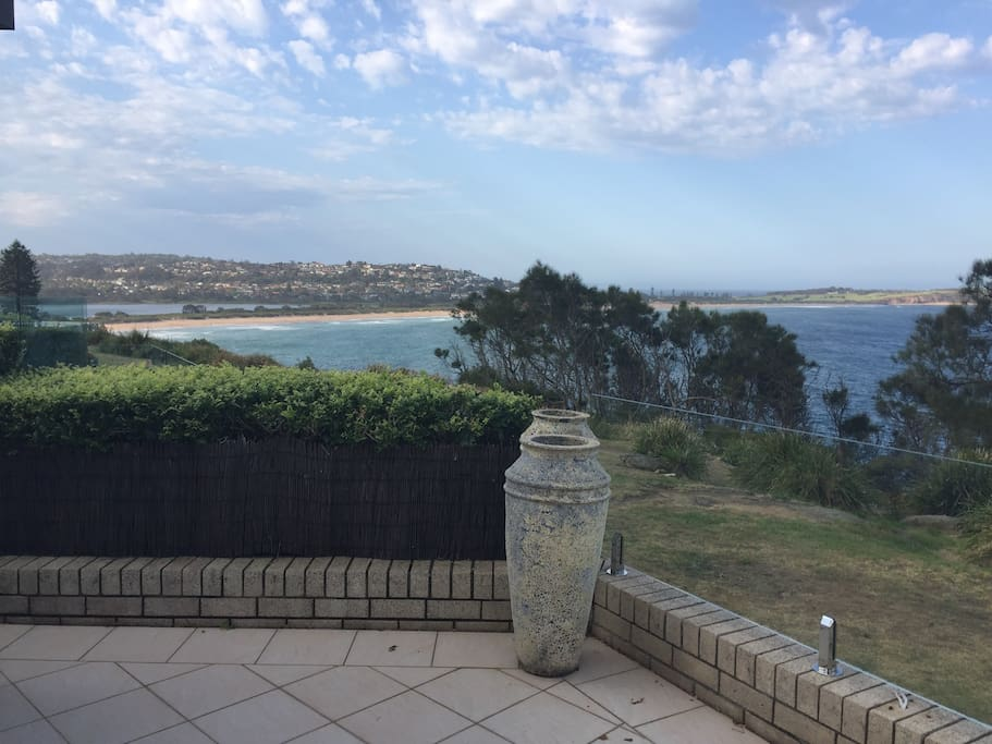 Views to Dee why Beach - A quick walk to Dee Why Restaurants, cafes & Beach