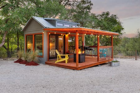 The Tiny Farmhouse: Hill Country Tiny Home Retreat