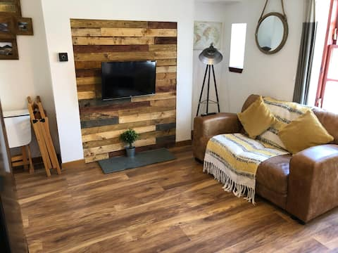 Cosy ground floor apartment on the W Highland Way