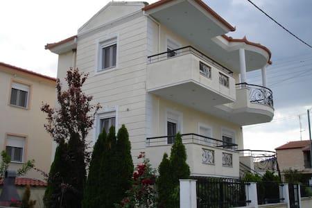 prime luxury villa - Paralia Vrasna - Hus