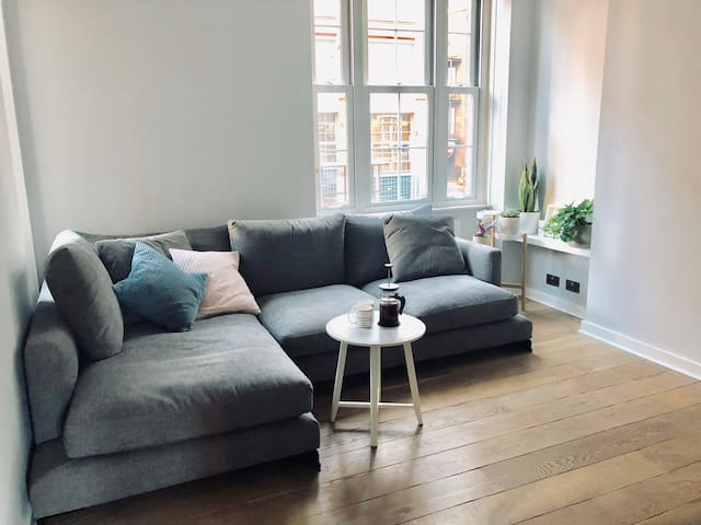 A room at Joe's place