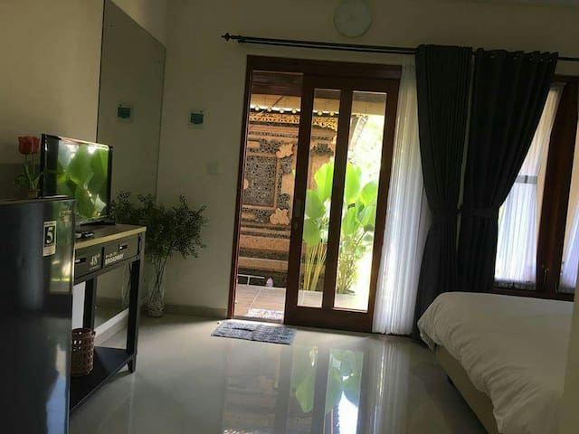 Clean cheap room near 66 beach seminyak