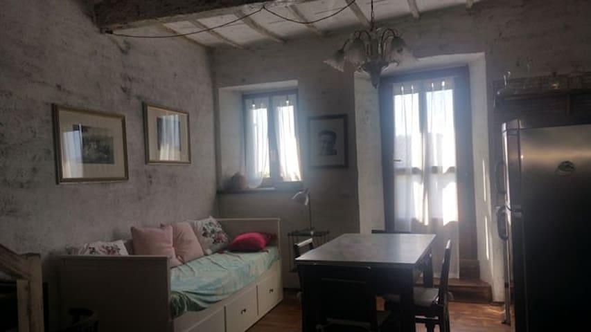 Alloggio Novecento - Passerano - House
