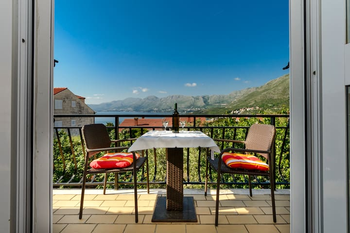 Jasmina-Balcony with a view, free parking - Cavtat - Appartement