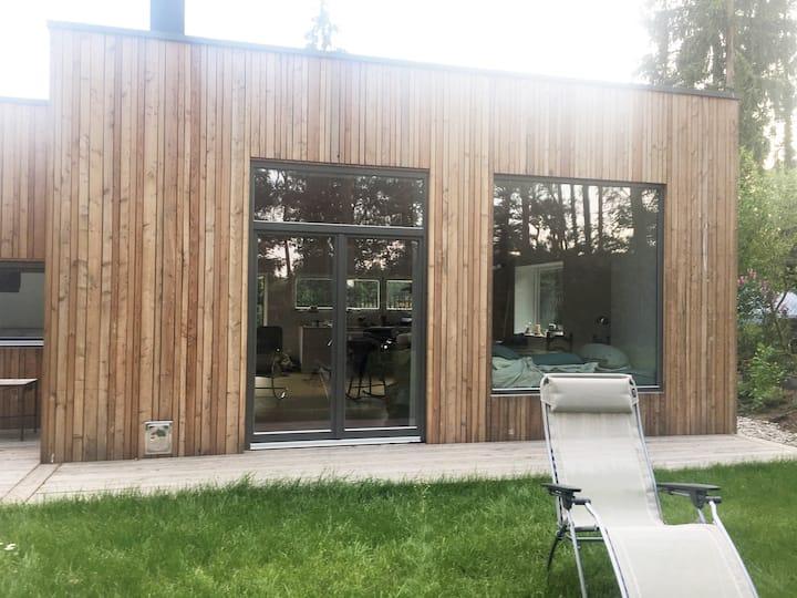 Schönes Cottage im Grünen 350m vom Roofensee