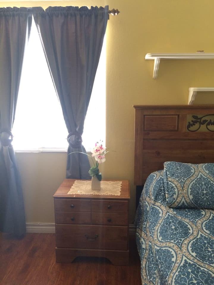 Peaceful and Serene room near UCR
