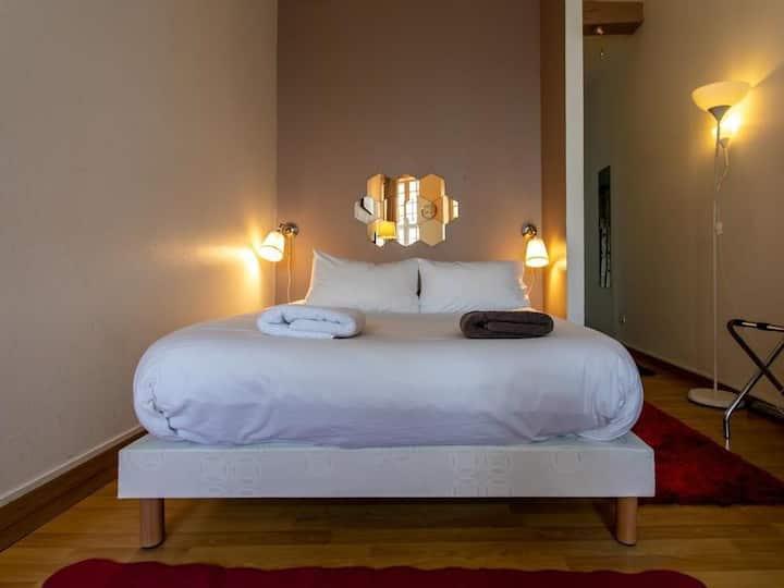 Noella Suite-Apartment-Ensuite with Bath