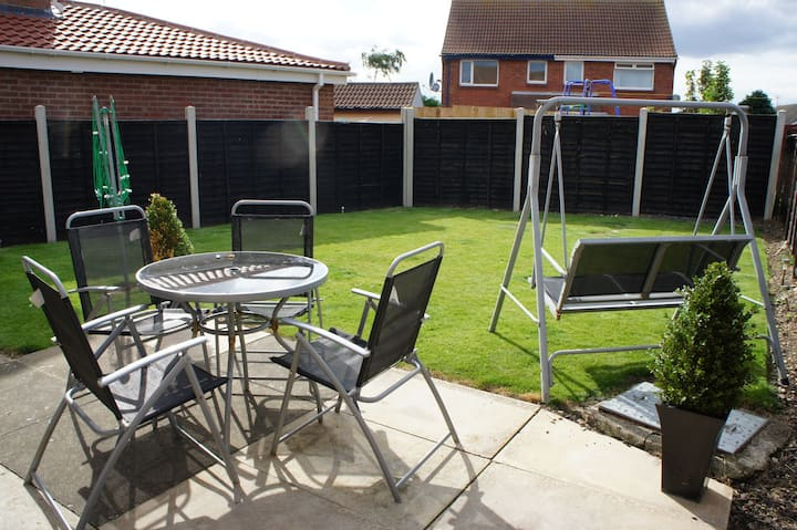 Filey holiday home, pet friendly, close to beach