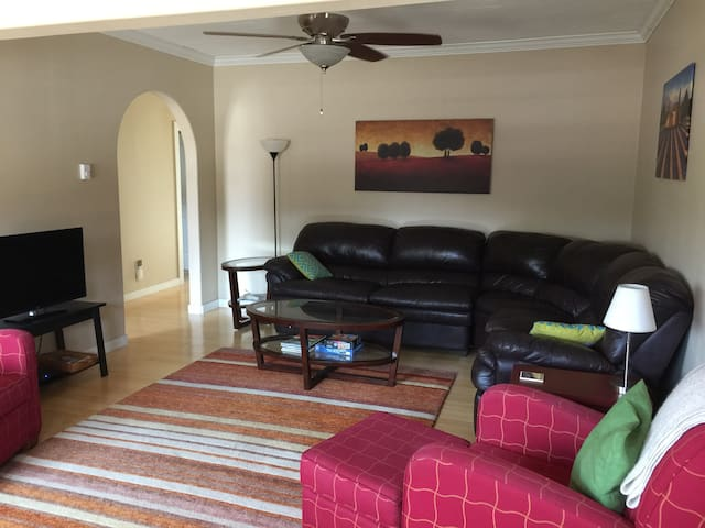 Ceiling fans in living room & both bedrooms