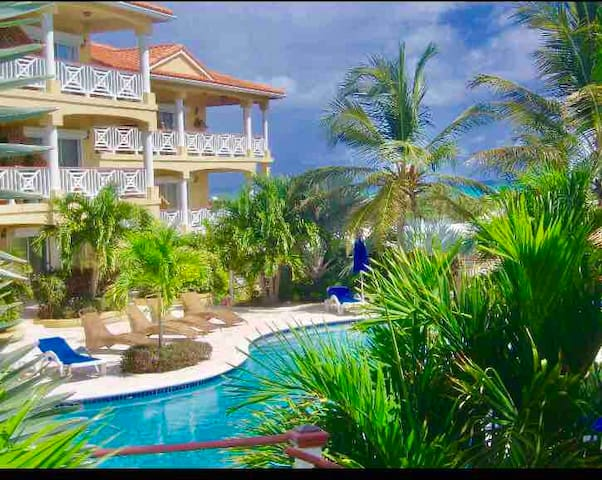 Pearl of Paradise -Family/Couple Budget Getaway