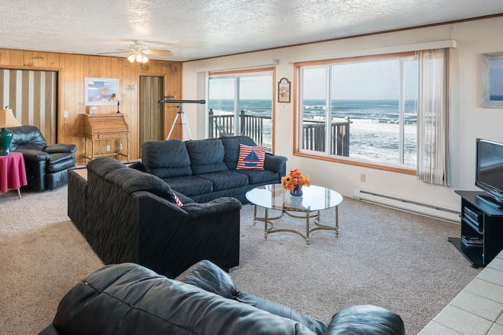 Wheelhouse-Oceanfront, balcony, kitchen, fireplace