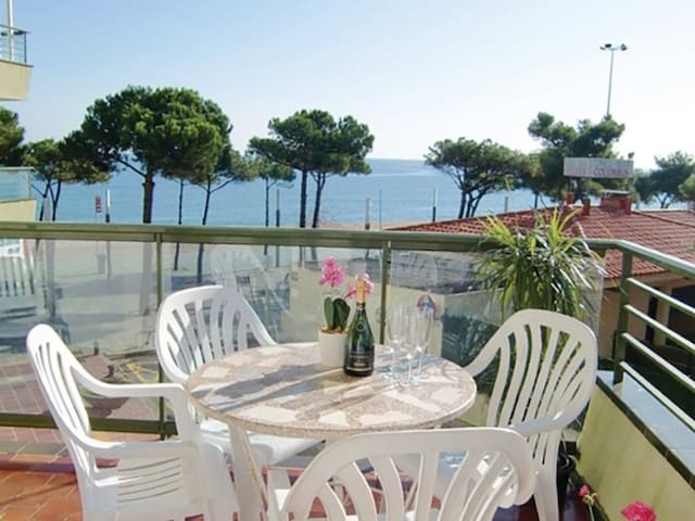 Holiday apartment on Platja D'Aro in front of the Big Beach