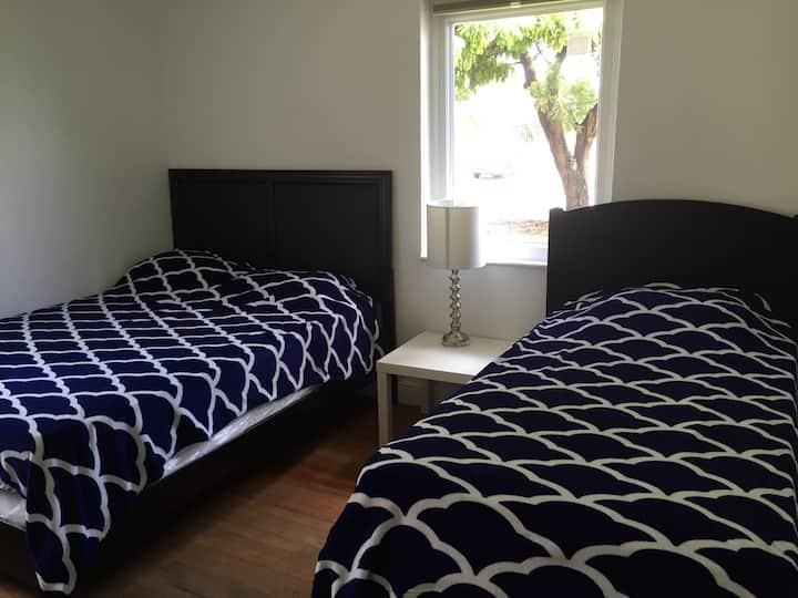 *4# Gorgeous bedroom next to Miami Airport