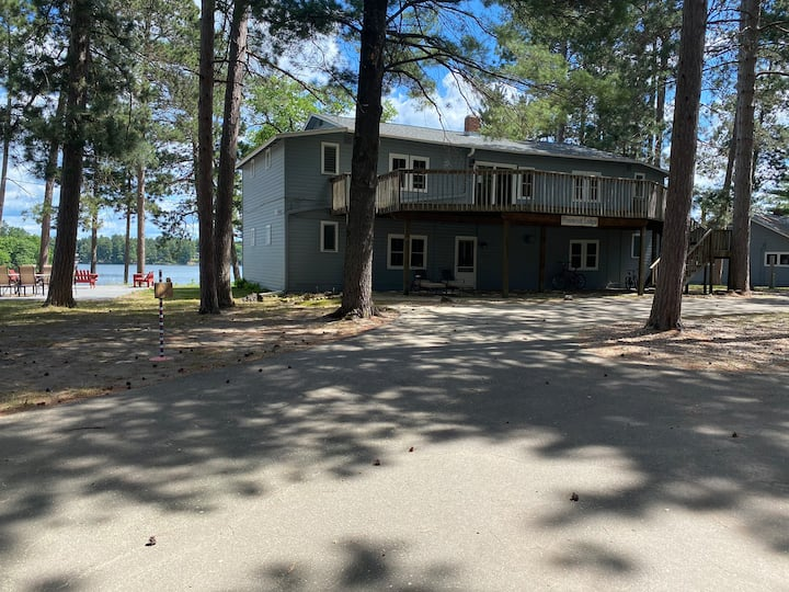 Pinewood Lodge on Clark Lake Room #9