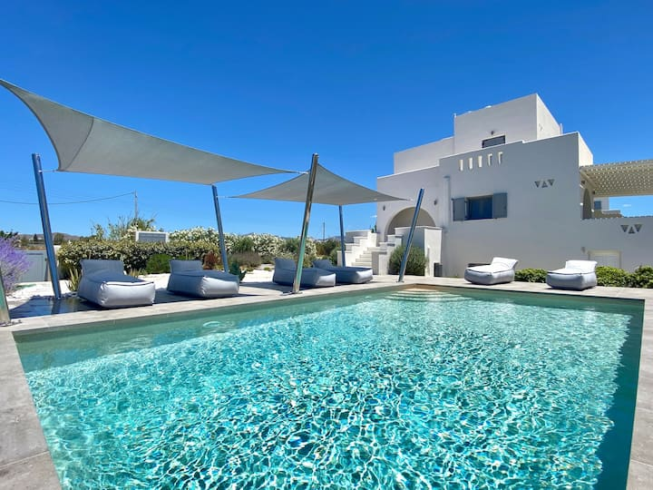 Seaside Naxos • Villa Aphrodite with Pool @ Plaka