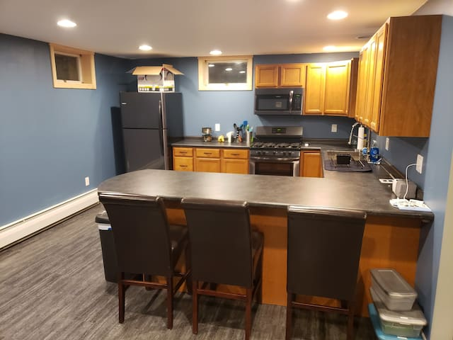 1 BR available in modern home in country setting.