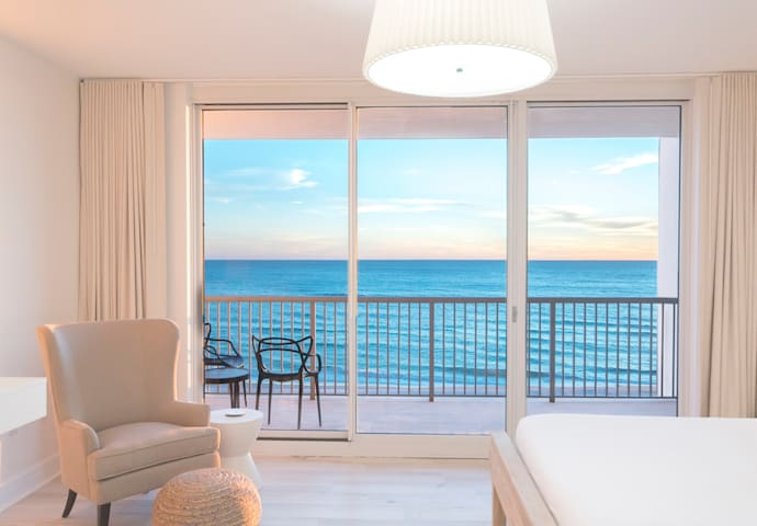 Sleek & Sexy Beachfront Studio  - RANKED #1