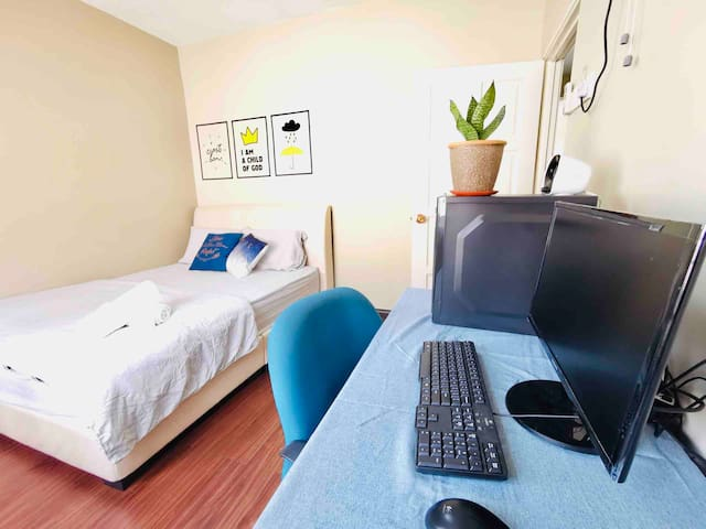 3rd room with comp to use (air-com & fan)  Note: the desktop is not available for use at the moment