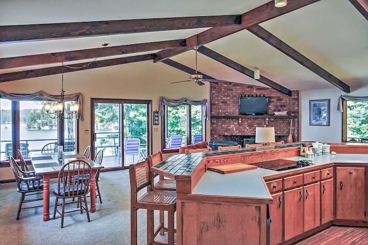 The open floor plan makes it extra easy to socialize.