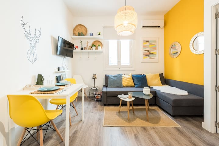 Luminous apartment in the Bohemian Lavapiés