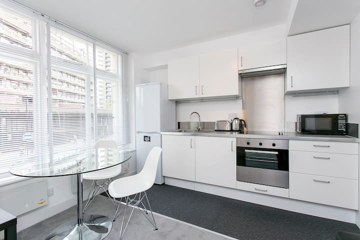 1 Bed Apartment on Aldersgate Street