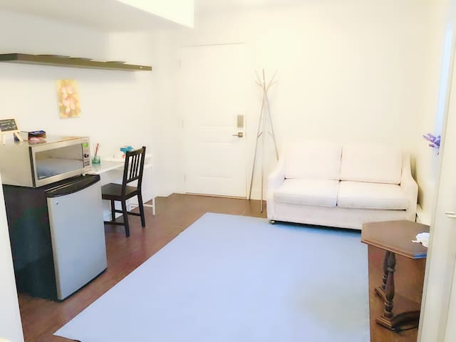 Private suite,entrance,washroom,fridge,microwave