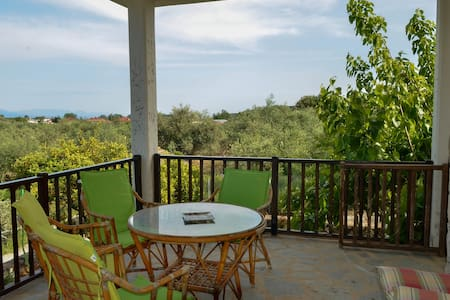 For nature lovers 8 minutes by the sea - Messinia - Ev