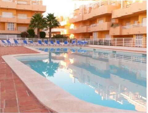 Apartamento T2 com piscina