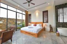 Palm Cove Vietnam-jacuzzi,pool,walk to beach villa