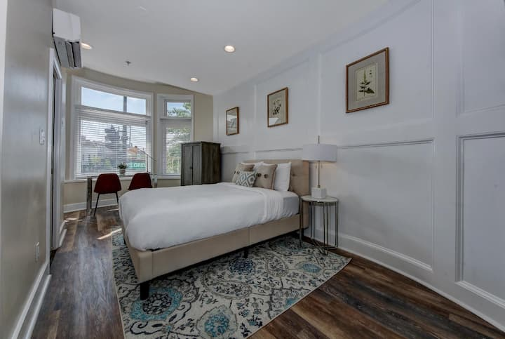 Studio A · DuPont Circle/Kalorama Luxury Apartment