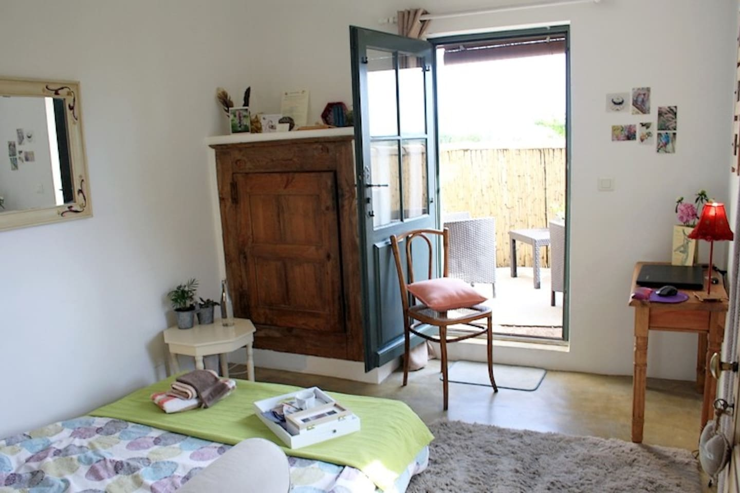 La chambre Harmonie et sa terrasse  privative, pour single ou solo !