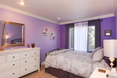 Jack & Jill , Room #2 Queen bed