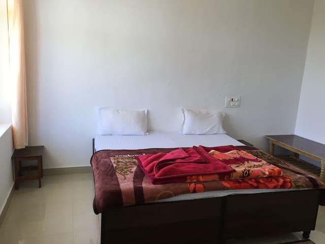Room on summer discount at bir billing