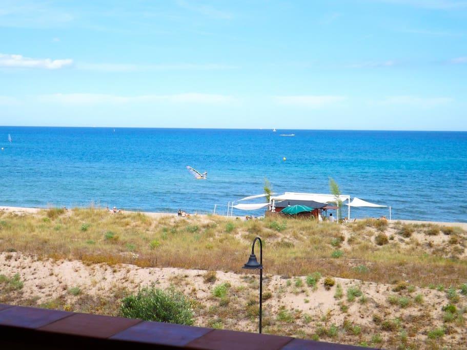 Apartamento en primera linea de mar. Dos habitaciones, parquing, wifi, piscina comunitaria-SA PUNTA COSTA BRAVA