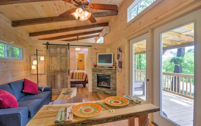 New Cabin at Tryon Chalet-Near TIEC/Vineyards