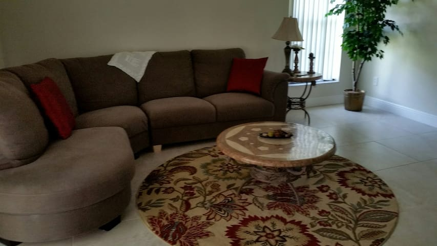 Comfortable Family Home All to Yourself - Winter Springs - House