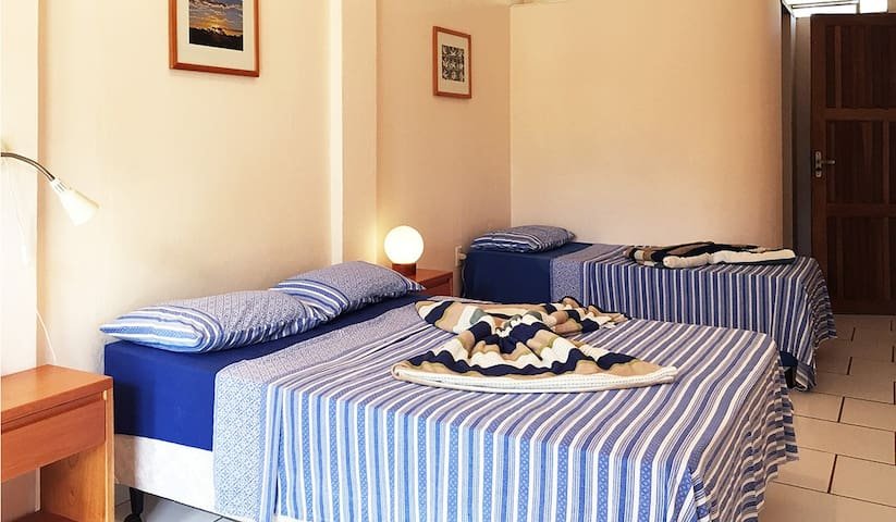 THE BLUE ROOM, Casa Azul, Abadiânia, Brazil