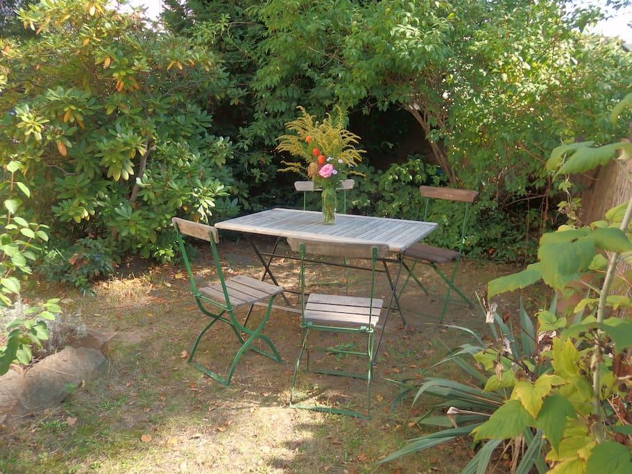 Garten mit Sitzgruppe