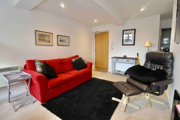 Luxury new ground floor 1 bed flat