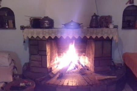 μονοκατοικία με σοφιτα