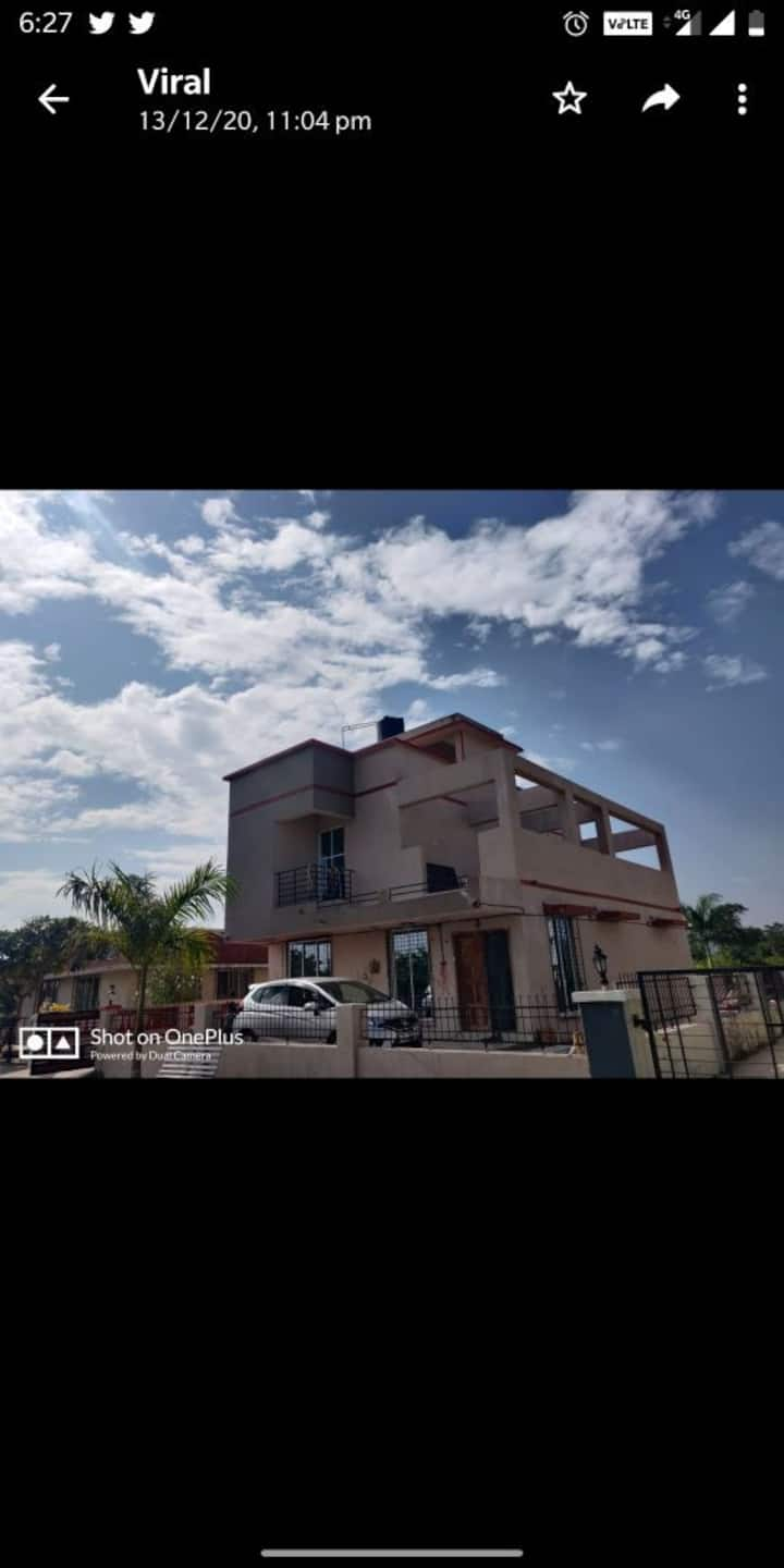 Spacious peaceful rooms in 3 BHK bungalow