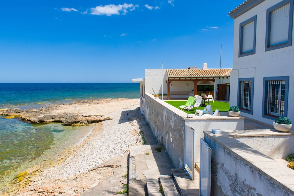 Pet Friendly Large Villa For Rent In Spain
