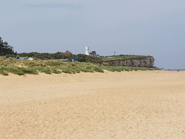 You can walk along the beach to Hunstanton, breakfast in the Old Lifeboat Cafe, look for fossils on cliffs.